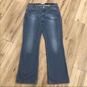 👖LEVI'S 529 Boot Cut Curvy